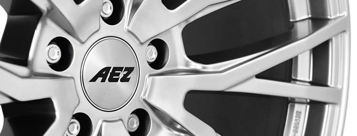 AEZ Panama high gloss alloy wheel cross spoke close up wheel centre
