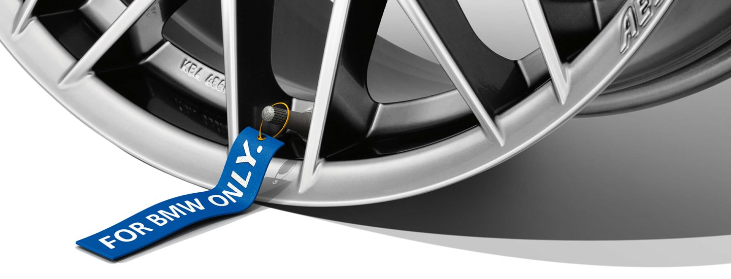 AEZ Antigua high gloss alloy wheel cross-spoke detail above