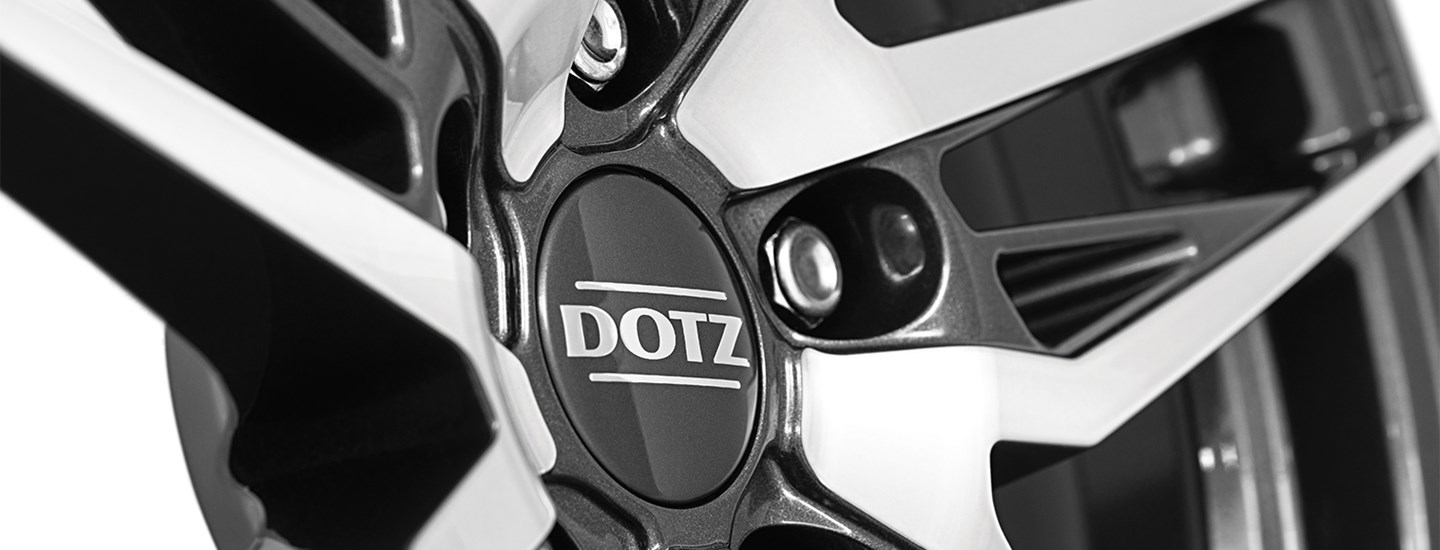 DOTZ Interlagos Dark Detail02