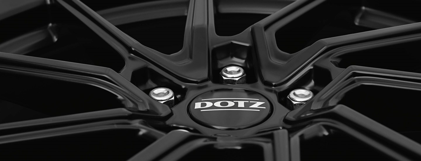 DOTZ Spa black detail 4