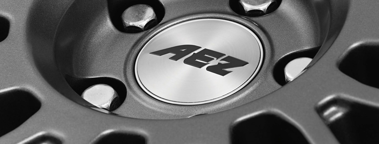 AEZ Strike graphite alloy wheel detail AEZ stamp