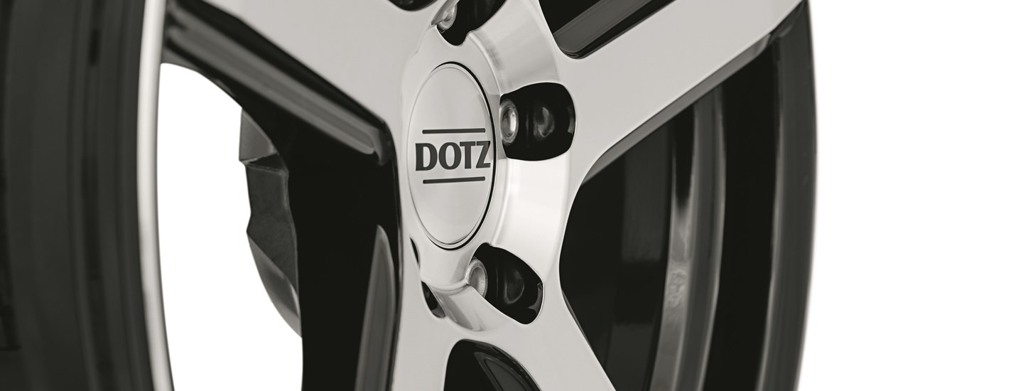 DOTZ CP5 dark Tuning wheel 5-spoke detail front