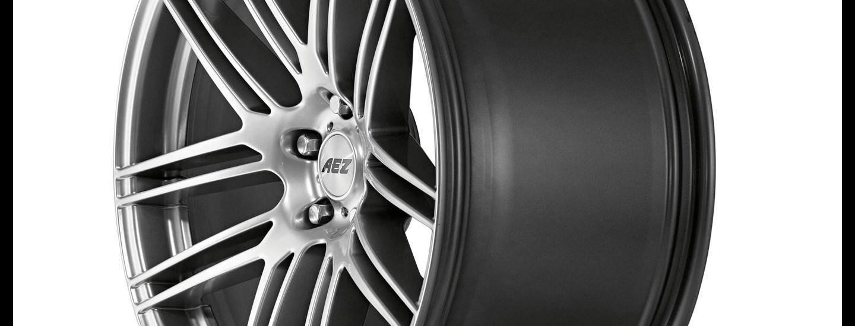 AEZ Cliff high gloss alloy wheel cross-spoke close up sideview